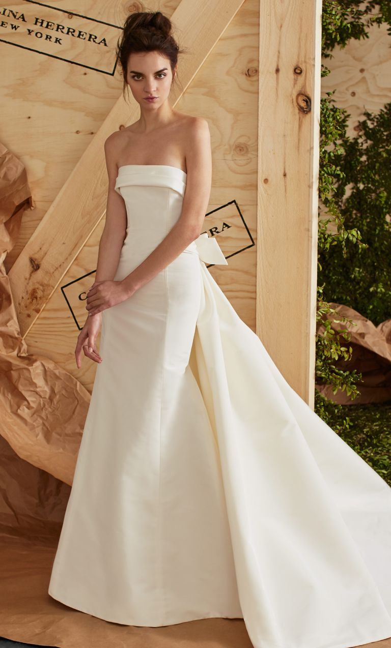 Wedding dress with bow on back  Lovely Feminine Variety From Carolina Herrera Spring   Dresses