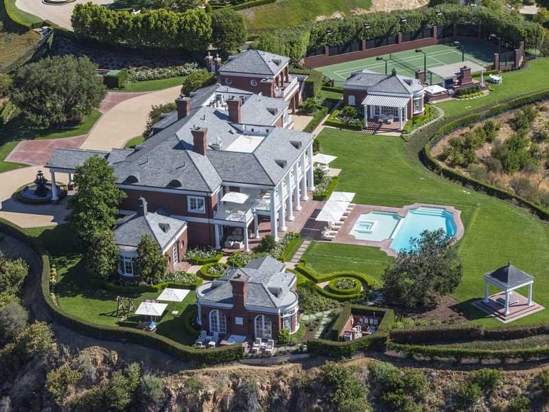 House Of The Day A Gigantic Estate In Thousand Oaks Calif Is On Sale For 18 75 Million Mansions Luxury Homes Dream Houses Mansions Luxury