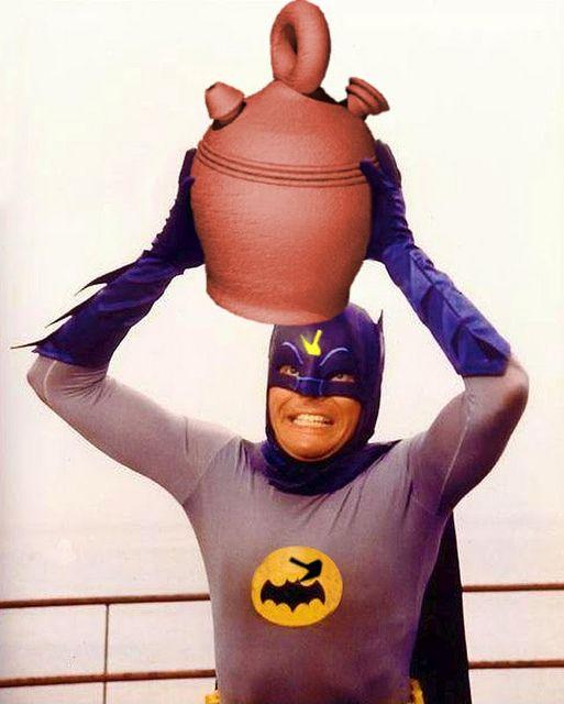Batman porronista (botijo 1747) | Flickr: Intercambio de fotos