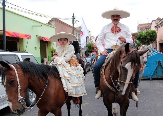 Electorado de Nochistlán refrenda su apoyo a Pancho Escobedo ...