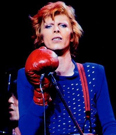 David Bowie - (period 1973-1976) wearing boxing gloves. #davidbowie #boxinggloves