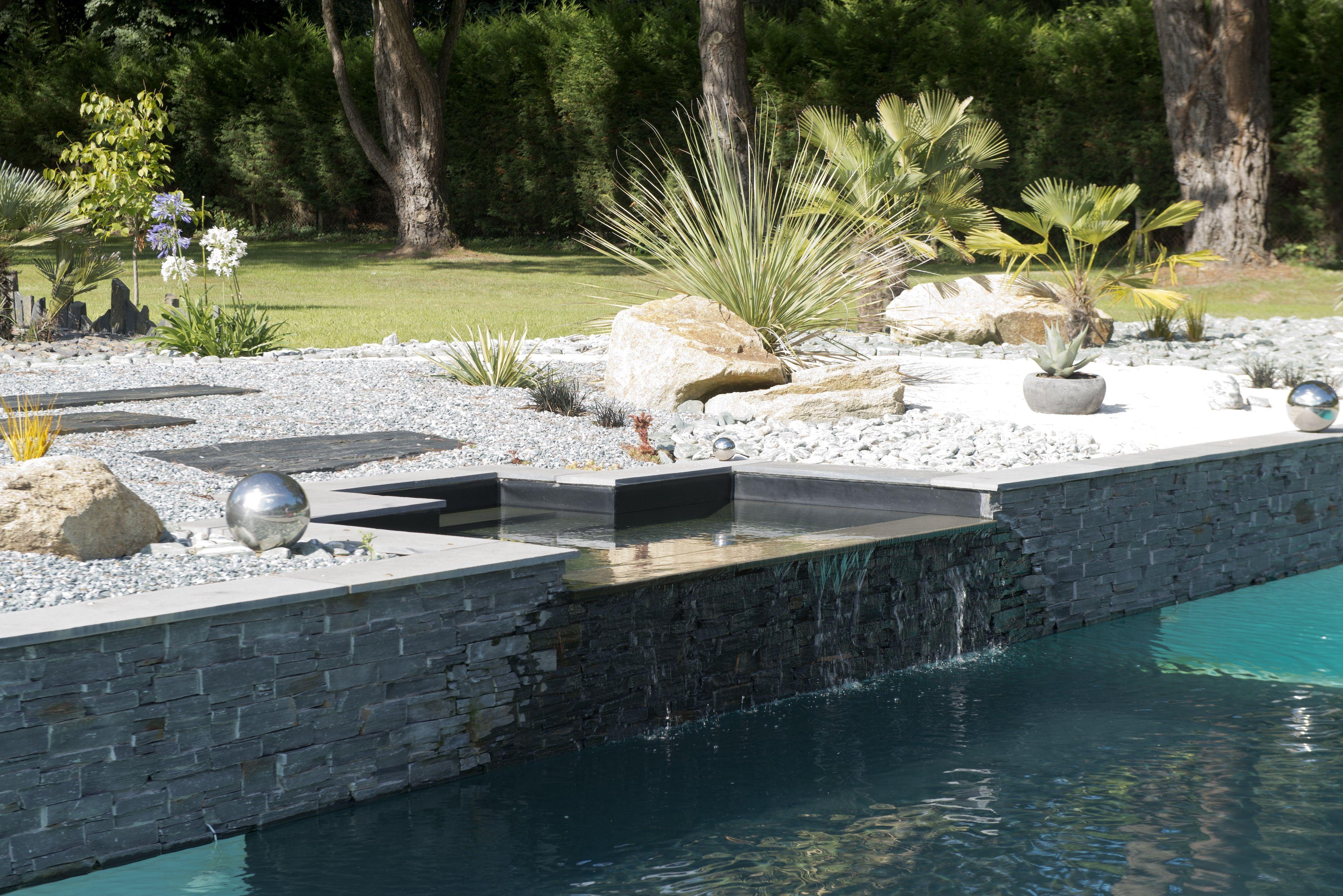 l 39 esprit design par l 39 esprit piscine 12 x 4 5 m rev tement gris clair et noir escalier d angle. Black Bedroom Furniture Sets. Home Design Ideas