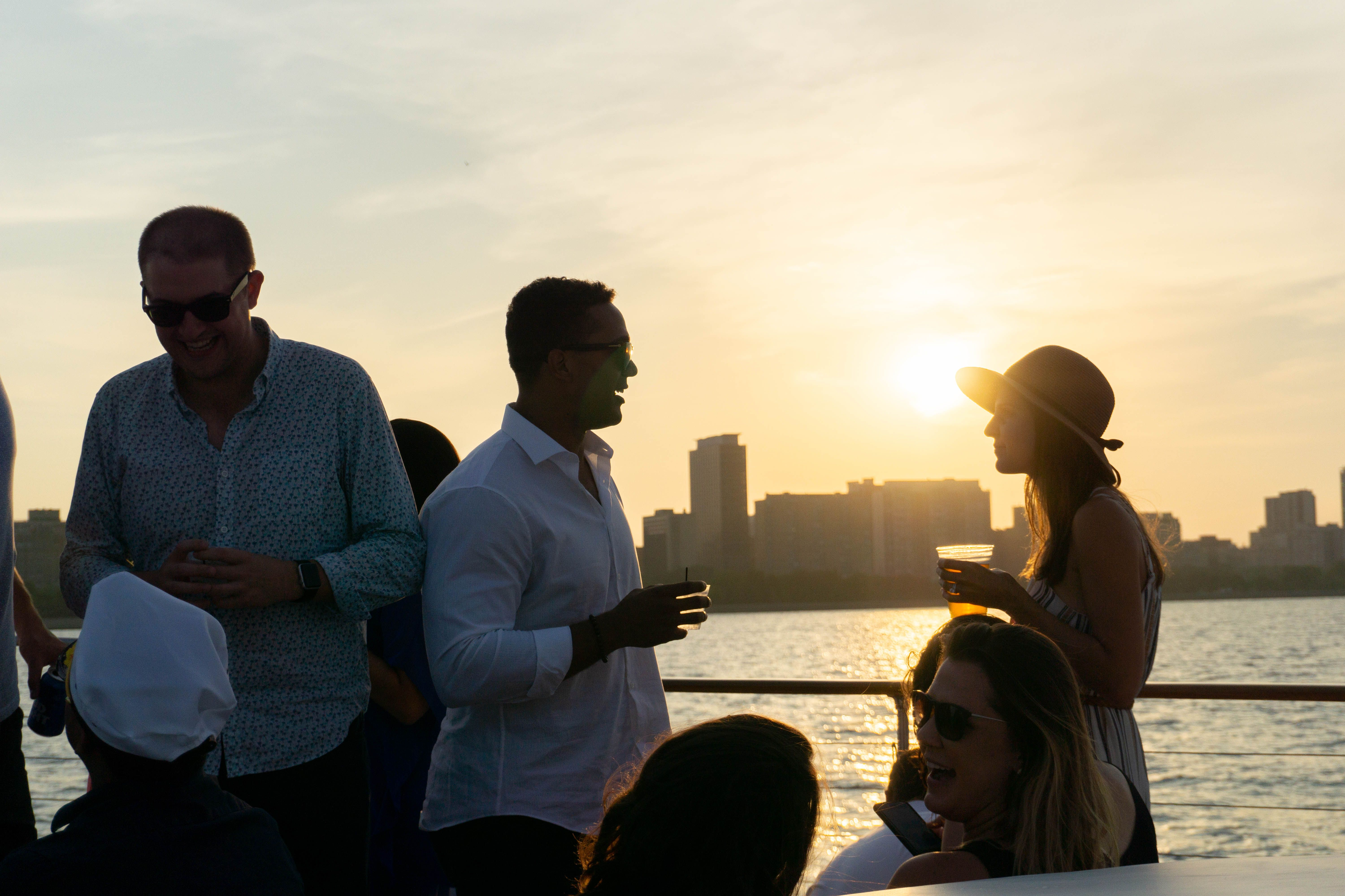 Sunset Chicago Private Boat Cruises Make The Best Of Luxury