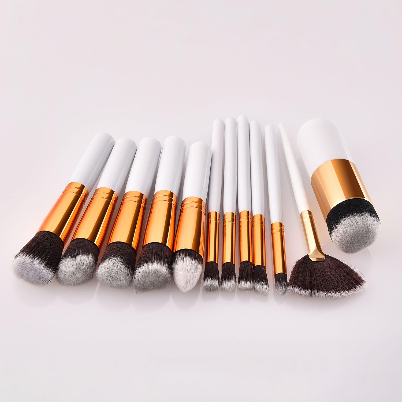12 Piece Pedzle Do Makijazu Dostepne W Sprzedazy Hurtowej 12 Piece Makeup Brushes Available Wholesale Inq Lip Balm Collection Makeup Accessories Makeup Tools