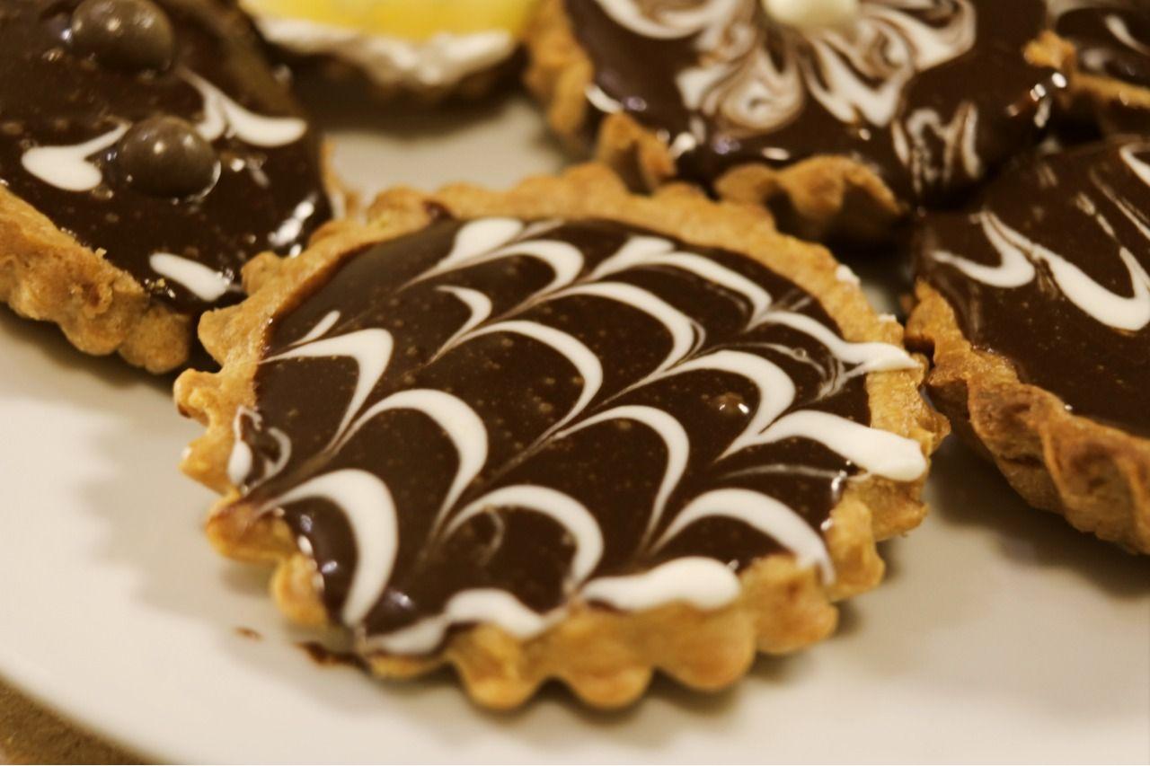 تارت شوكولاتة Food Desserts Food Court