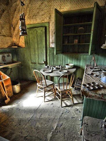 Kitchen in Abandoned Home. Photo by Cleat Walters, III. Picture Courtesy of Smithsonian    Read more: http://www.news.com.au/technology/gallery-e6frflwi-1226592429053?page=7#ixzz2Mu6LhDE4