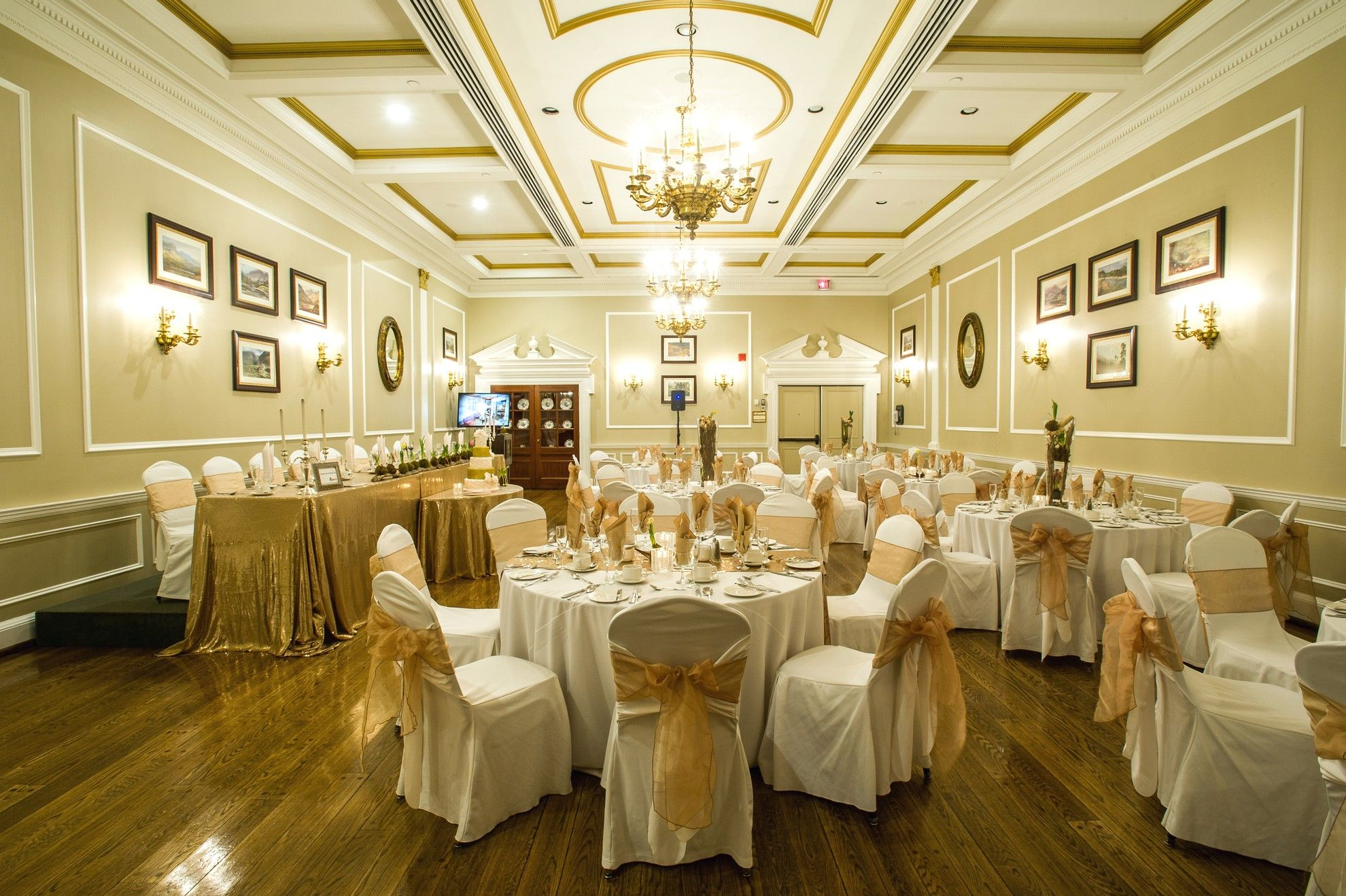 This Past Tuesday The Old Mill Toronto Held A Wedding Open House With Host