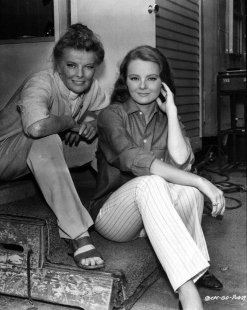 Katharine Hepburn Katharine Houghton Her Niece On The Set Of Guess Who S Coming To Dinn Katharine Hepburn Katherine Hepburn Katharine Hepburn Spencer Tracy