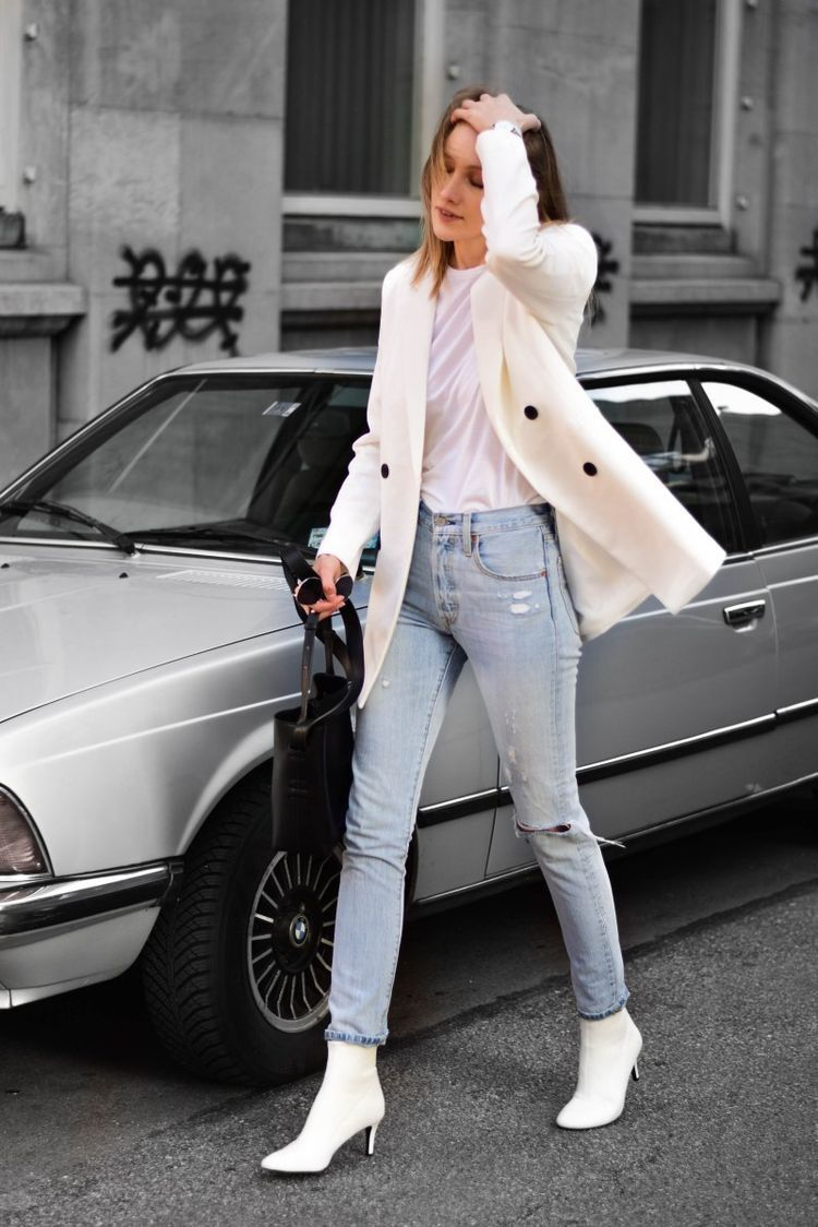 White boots & white blazer | White blazer outfits, White boots ...