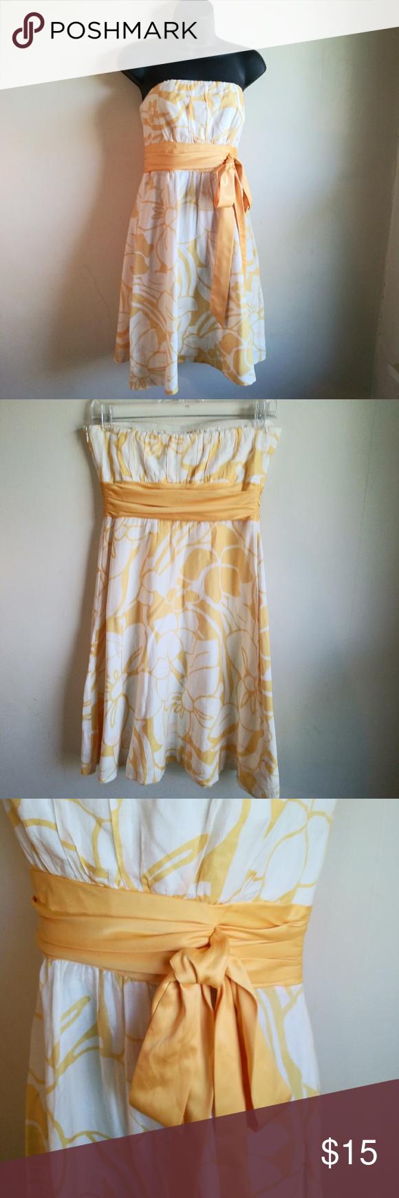The Limited Strapless Yellow White Dress Sz 4 Yellow And White Dress The Limited Dresses White Dress [ 1740 x 580 Pixel ]