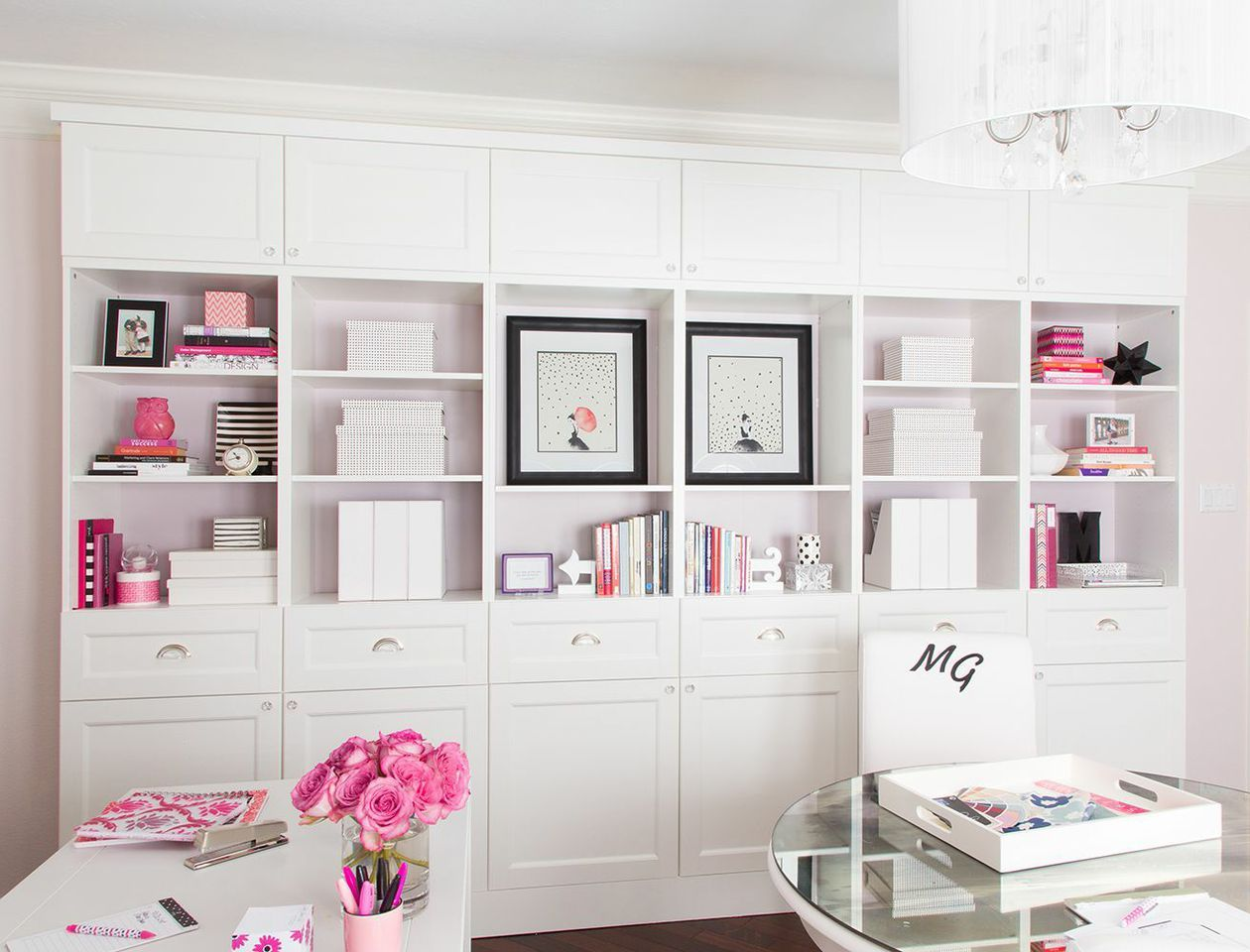 Karen Davis\' Playful & Pink Office {Office Tour | Stylists, Mary kay ...