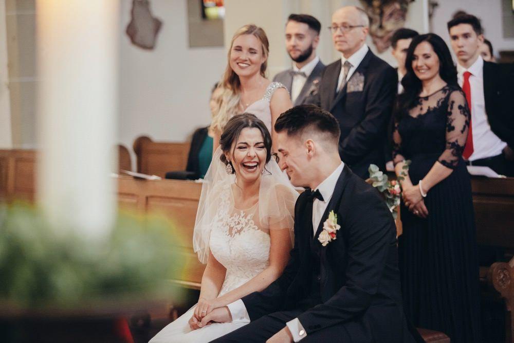 Eine Kirchliche Hochzeit Im Kaiserbahnhof Bruhl Im Edlen Romantiksstil In 2020 Romantische Hochzeit Kirchliche Hochzeit Hochzeit