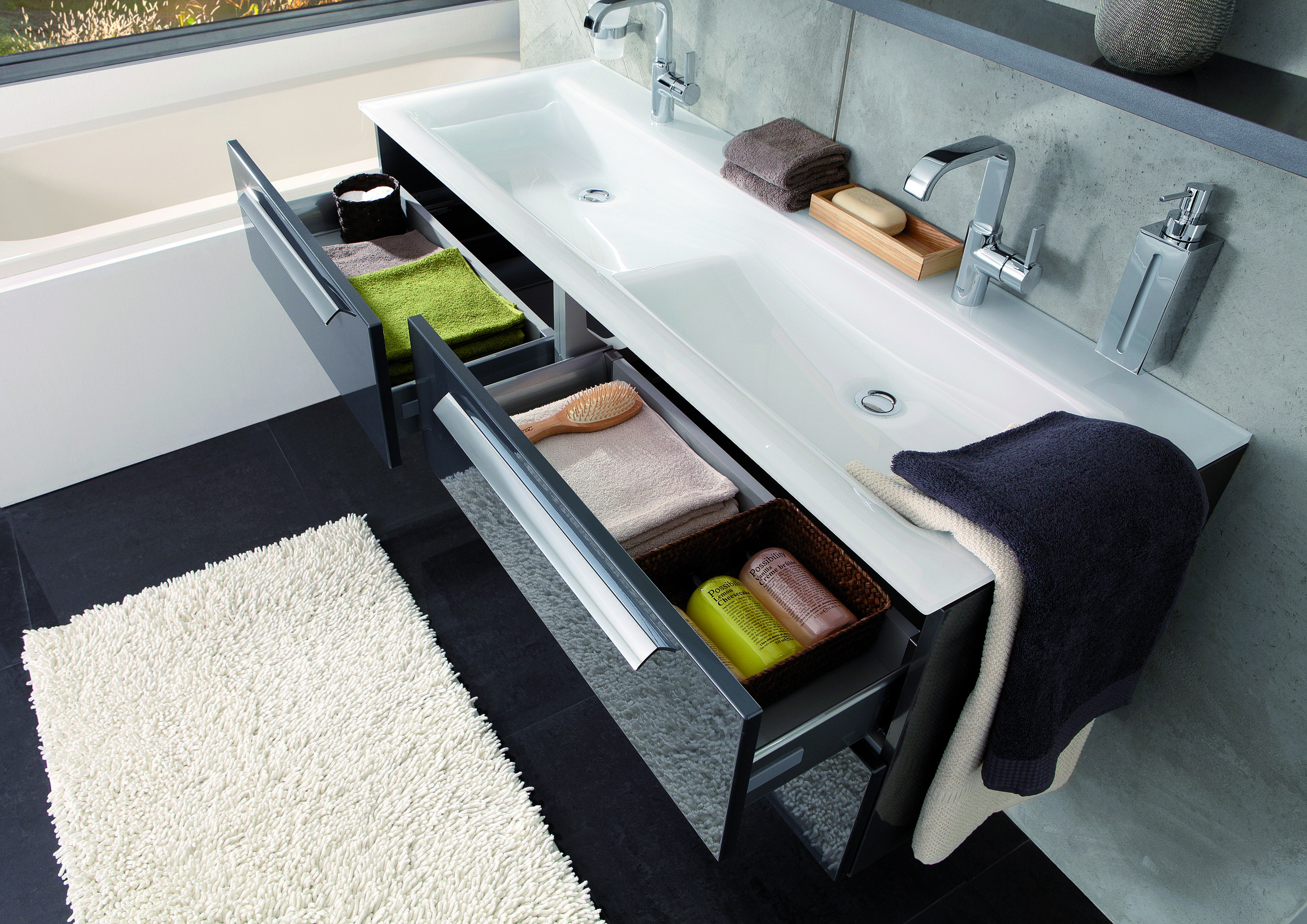 Badkamermeubel Met Sanitair : Badkamermeubel i indeling i dubbel wastafel i badkamer i sanitair
