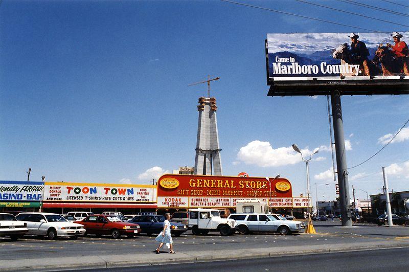 Las Vegas 94 >> Stratosphere Under Construction Las Vegas C 1994 In The