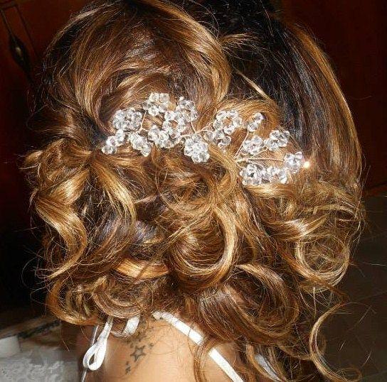 L'originalità e la classe delle spose CDJ. #cdj #degradejoelle #tagliopuntearia #degradé #dettaglidistile #welovecdj #bride #beautifulhair #naturalshades #hair #hairstyle #hairstyles #haircolour #haircut #fashion #longhair #style #hairfashion