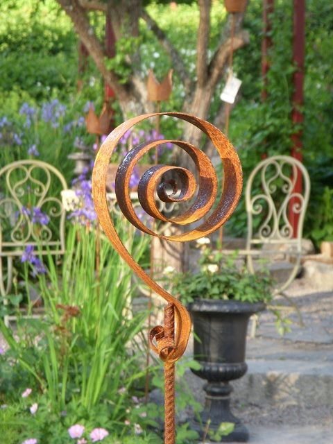 Gartenstecker mit spriale in rost gonis pinterest for Rost kunst garten