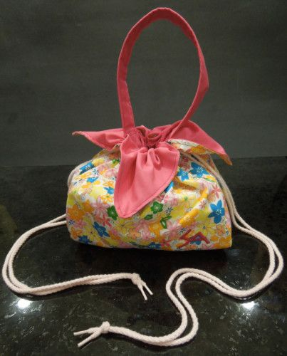 Asian-Inspired Flower Petal Lunchbag - Free Sewing Tutorial