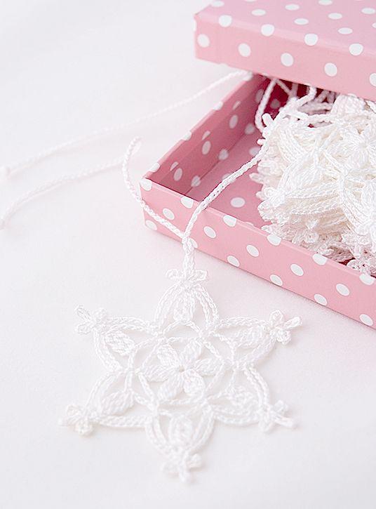 Crochet snowflakes free pattern | Příze | Pinterest | Lenceria