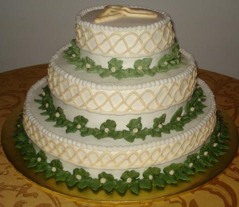 Irlandês | Bolo de Noiva in 2019 | Wedding cakes, Irish ...