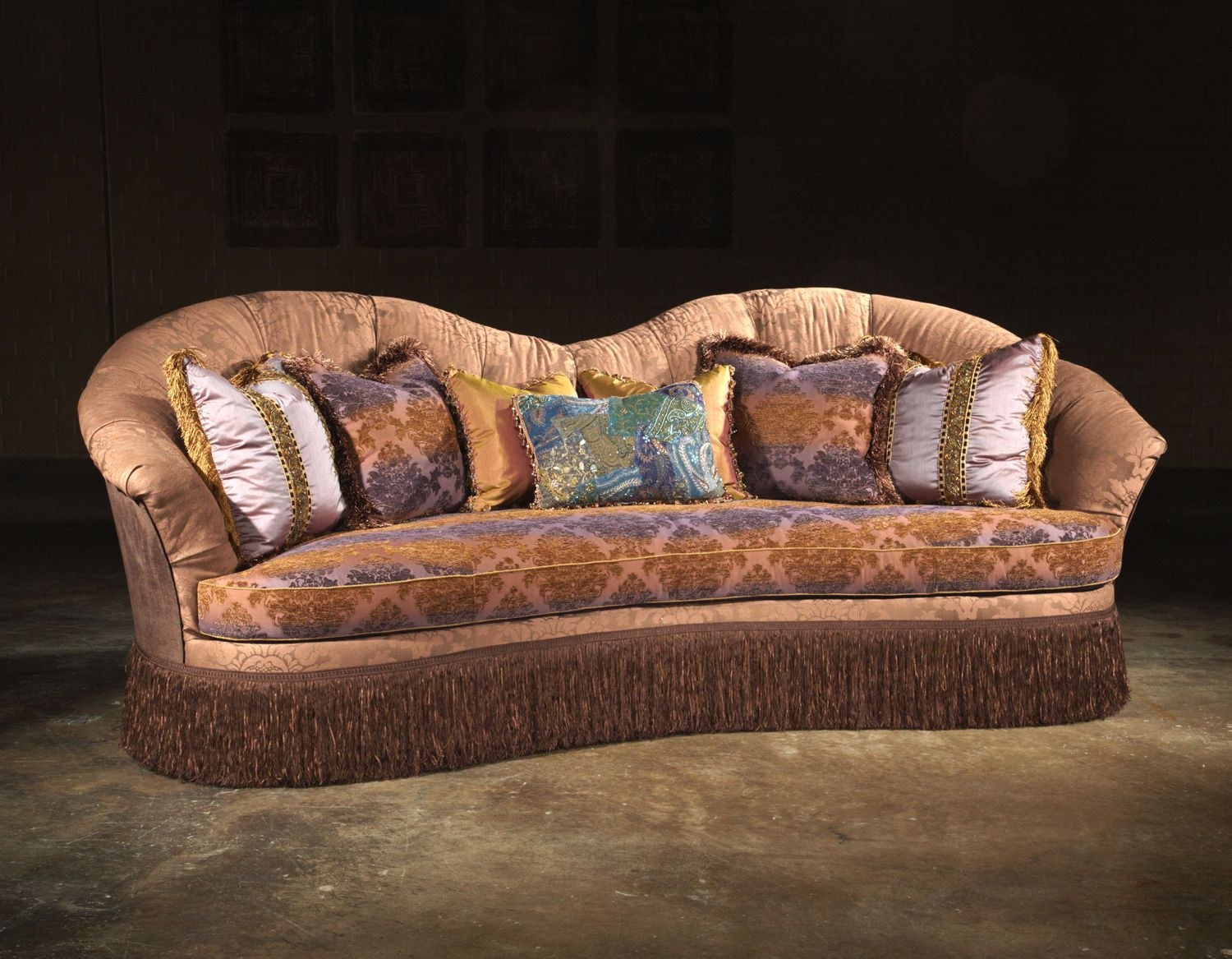 Paul robert living room sofa tufted 404 tuft walter e for Walter e smithe living room furniture