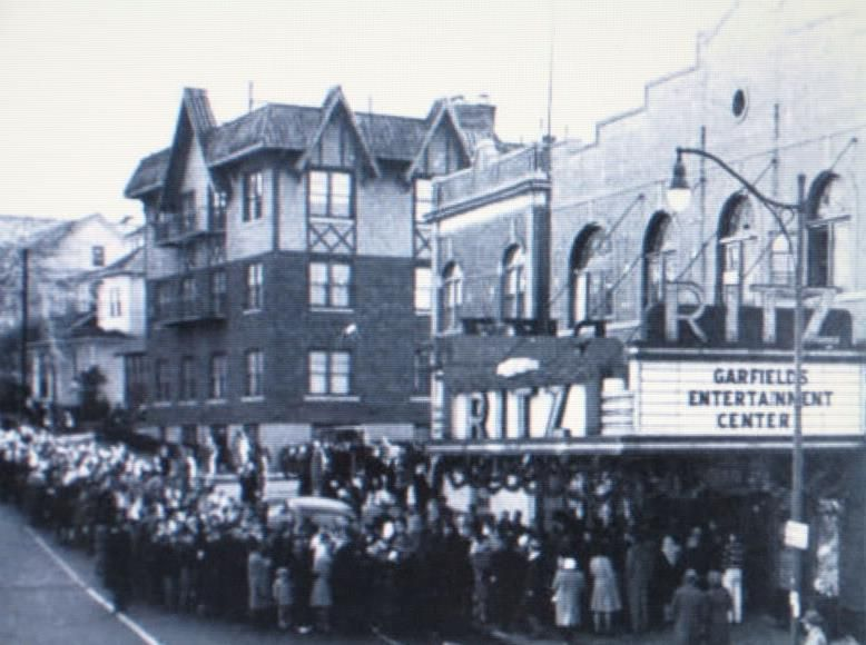 82a0d3b69127ba19fe436987206591f8 - The Mills At Jersey Gardens Movie Theater