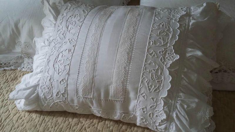 coussin shabby blanc g coussins plaid et bloque porte. Black Bedroom Furniture Sets. Home Design Ideas
