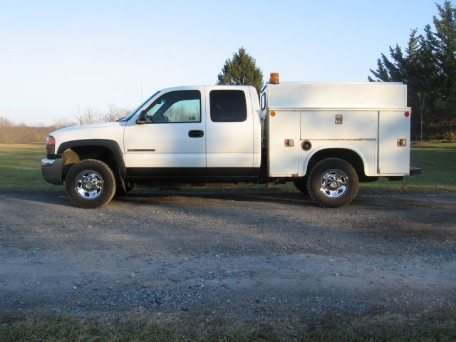 2500 Trucks For Sale >> 2005 Gmc 2500 Hd Extra Cab 4wd Utility Truck For Sale Trucks For