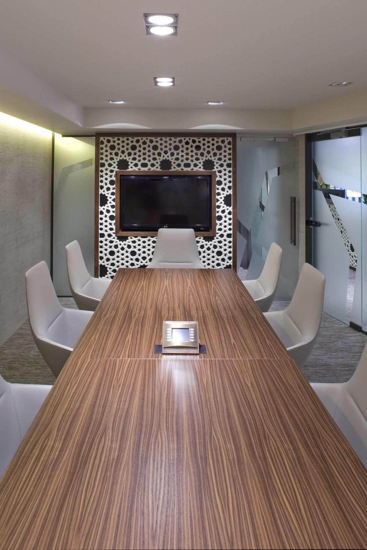 Conference Room Interior Design: Interior-affordable-conference-room-design-with