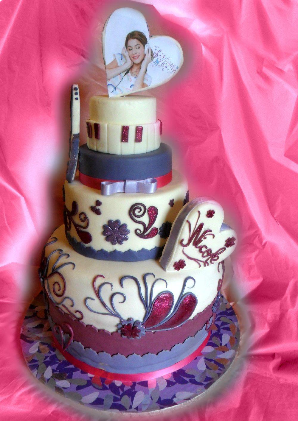 Torta Compleanno Violetta.Torta Violetta In Pasta Di Zucchero Torte Pasta Di Zucchero E