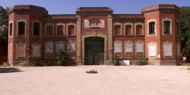 Cuartel De Daoíz Y Velarde Antes De La Rehabilitación En Centro Cultural Y Deportivo Pie De Foto Fotos Centro Cultural
