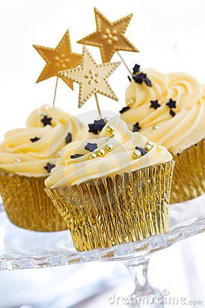 new year's eve celebration cupcakes