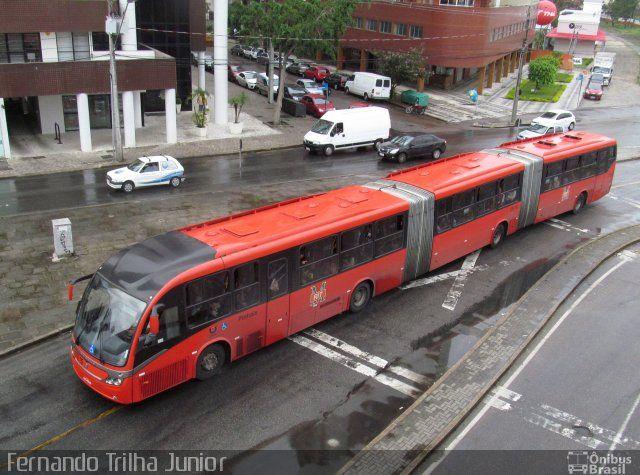(Brasil) Ônibus da empresa Expresso Azul, carro 17E15, carroceria Neobus Mega BRT, chassi Volvo B340M. Foto na cidade de Curitiba-PR por Fernando Trilha Junior, publicada em 29/03/2014 18:41:21.