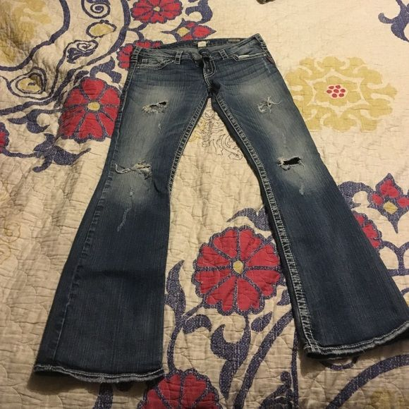 Silver Jeans, Size 30 L33 Boot Cut Jeans! Silver Boot Cut Jeans, Worn 3x, too long for me! In GREAT condition Silver Jeans Jeans Boot Cut