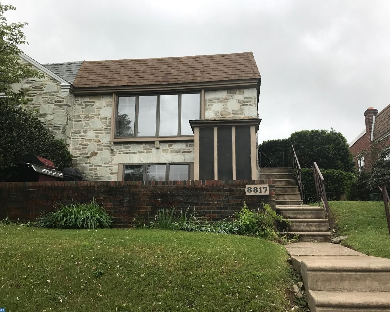 Single Family Property For Sale with 4 Beds & 3 Baths in