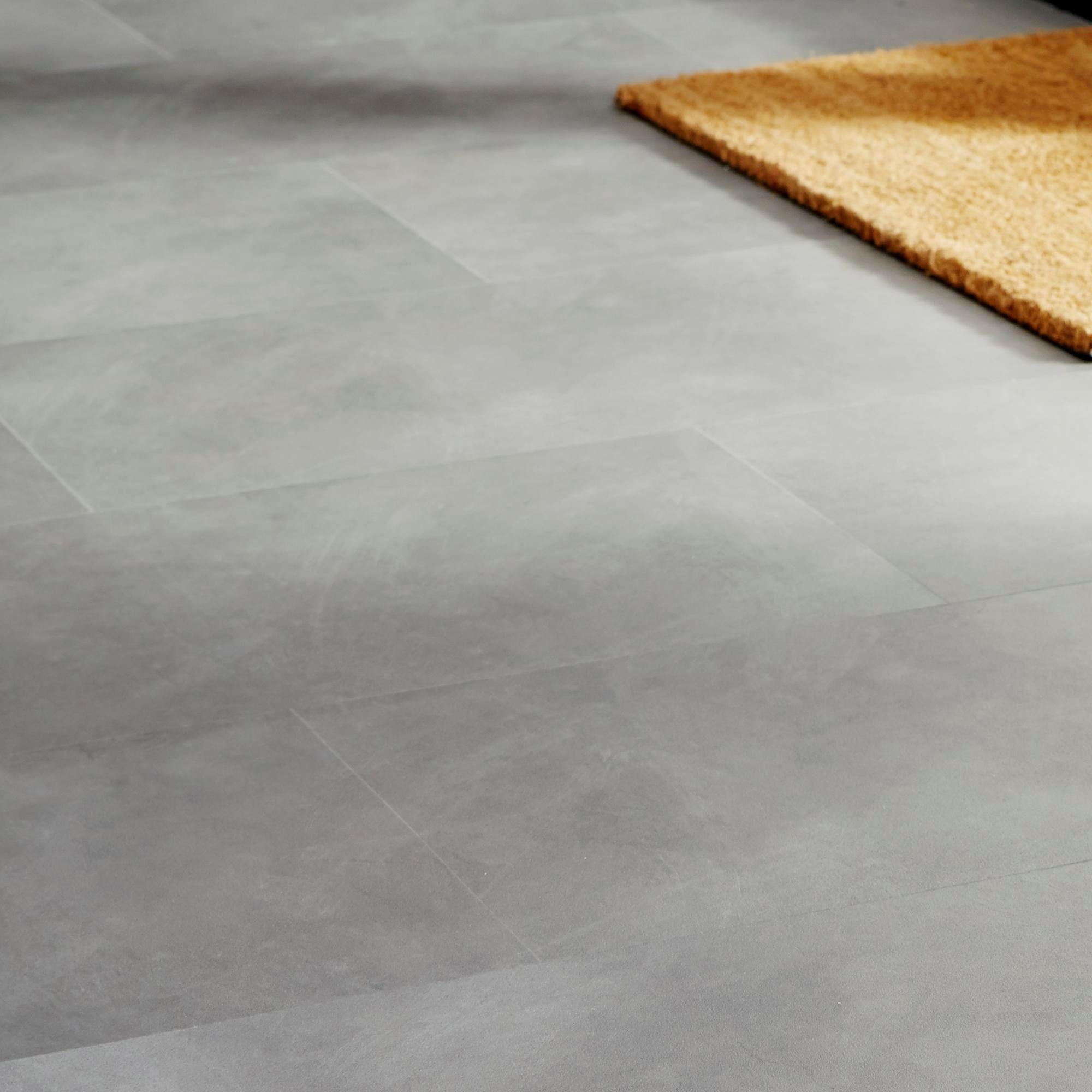 Colours Grey Modern Stone Effect Luxury Vinyl Click Tile Flooring Pack 1 49 M Depart Grey Vinyl Flooring Vinyl Flooring Bathroom Luxury Vinyl Click Flooring