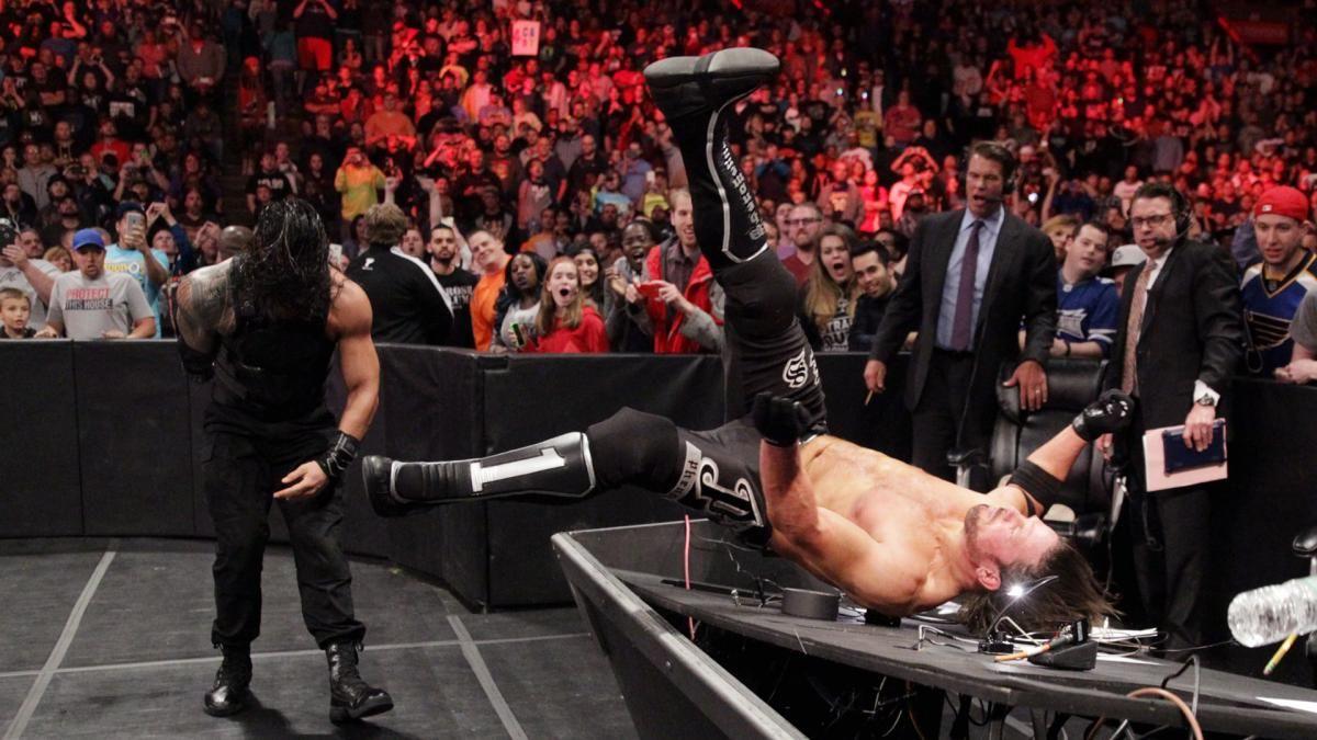 Roman Reigns & Los Usos vs. AJ Styles, Luke Gallows & Karl Anderson: fotos