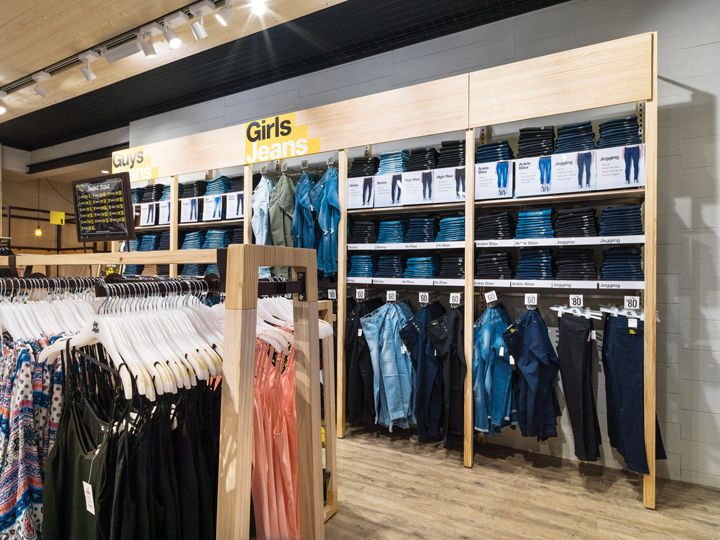 The aim was to strip back to the base building and use raw materials, pine, mesh and preformed concrete to create the desired interior. The objective was for the store to maintain an ordered display for it's large number of product categories and skus, while staying