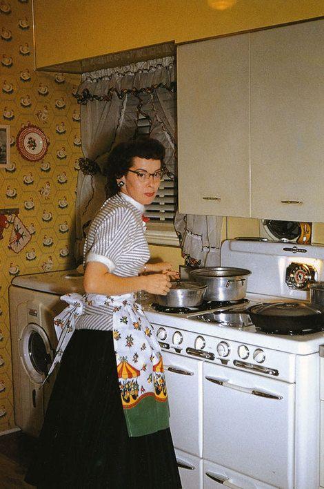 Dona de casa, anos 20.