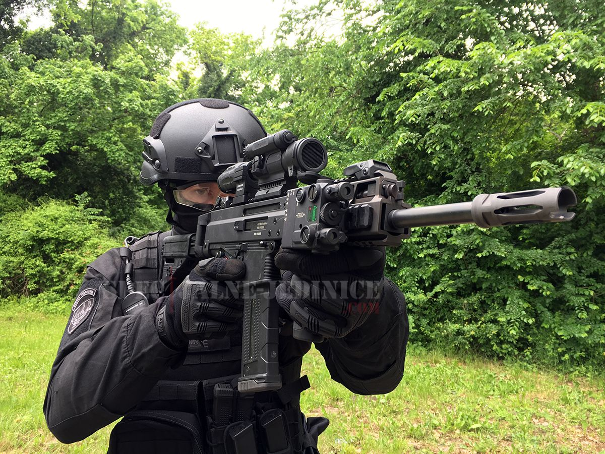 "Nikinci, #Serbia - Military Police Special Operation Battalion ""Cobras"" operator during preparations"