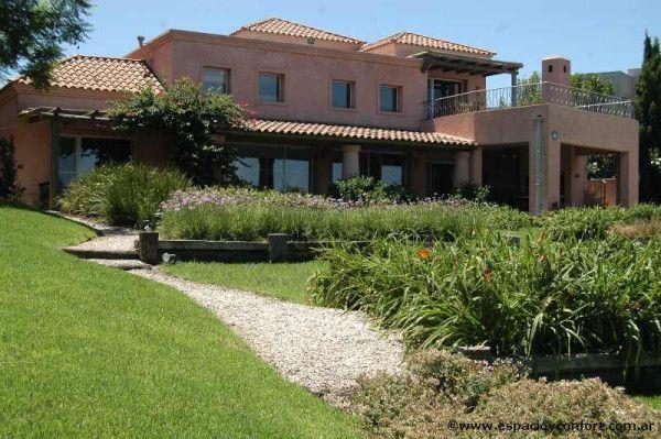 Una hermosa #casa con una #arquitectura al mejor estilo de la antigua toscana italiana. Espacio (espacioyconfort) en Twitter