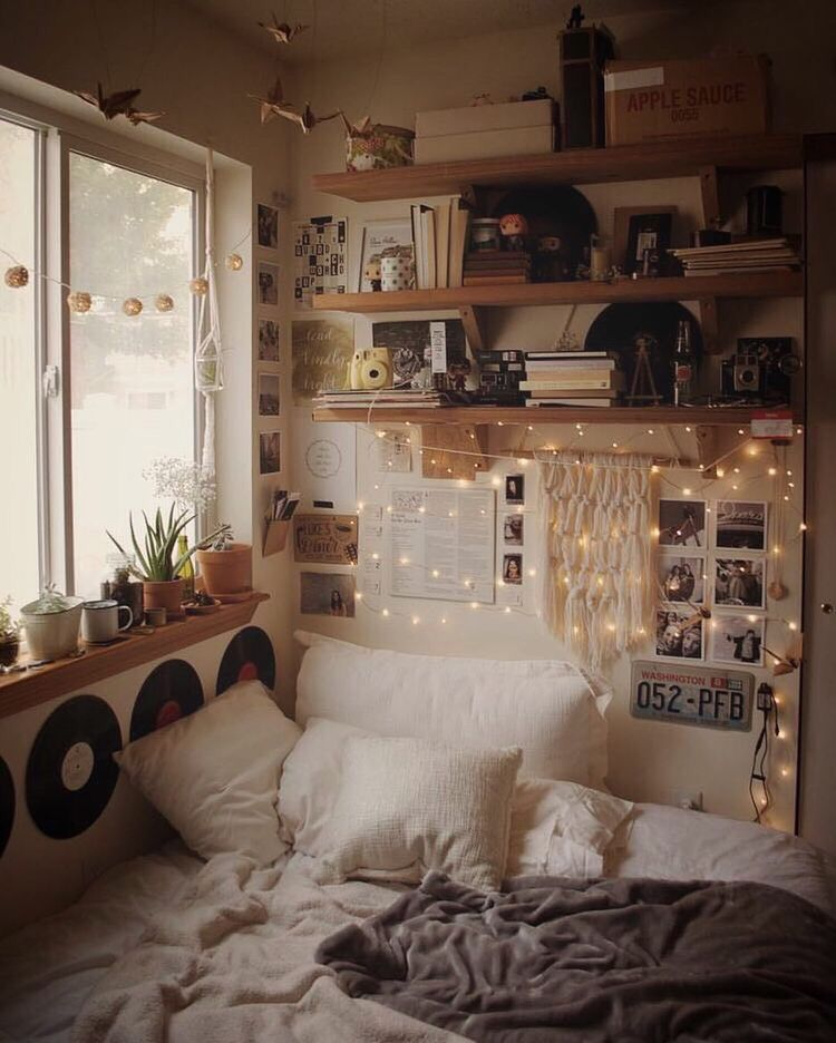 Dormroom Dorm Dormdecor Rooms Bedrooms Bedroom Tapestry Blanket Aesthetic Tumblr Decor Homedecor Aesthetic Bedroom Room Inspo Bedroom Inspirations