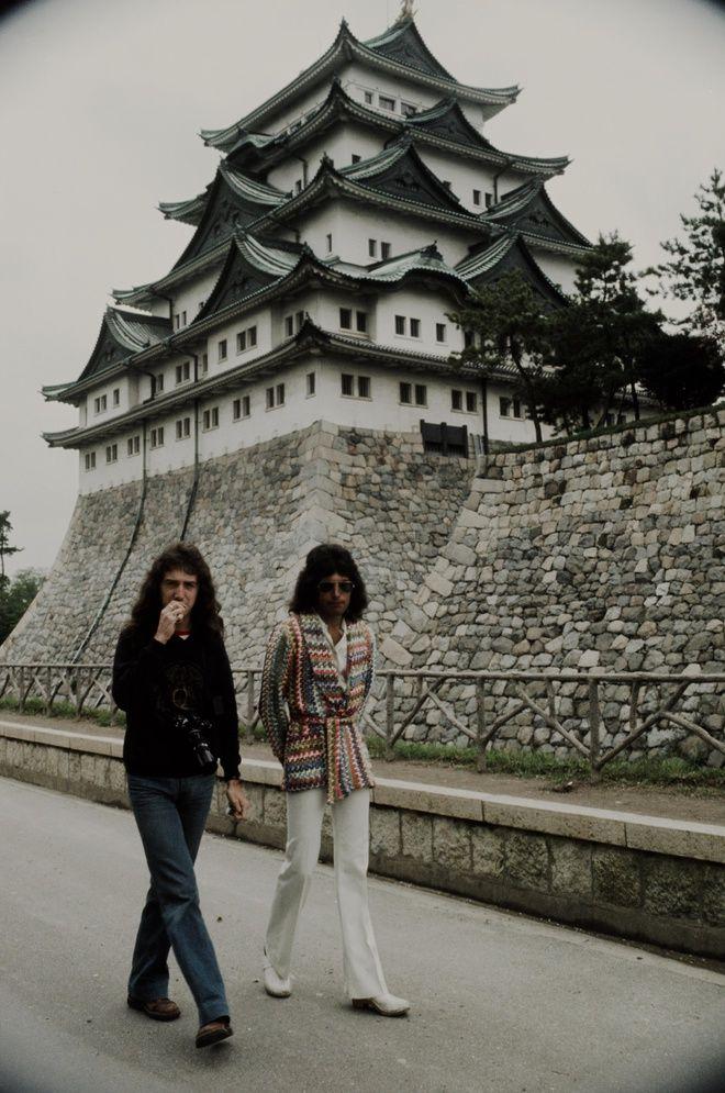 John Deacon and Freddie Mercury in Nagoya in 1975