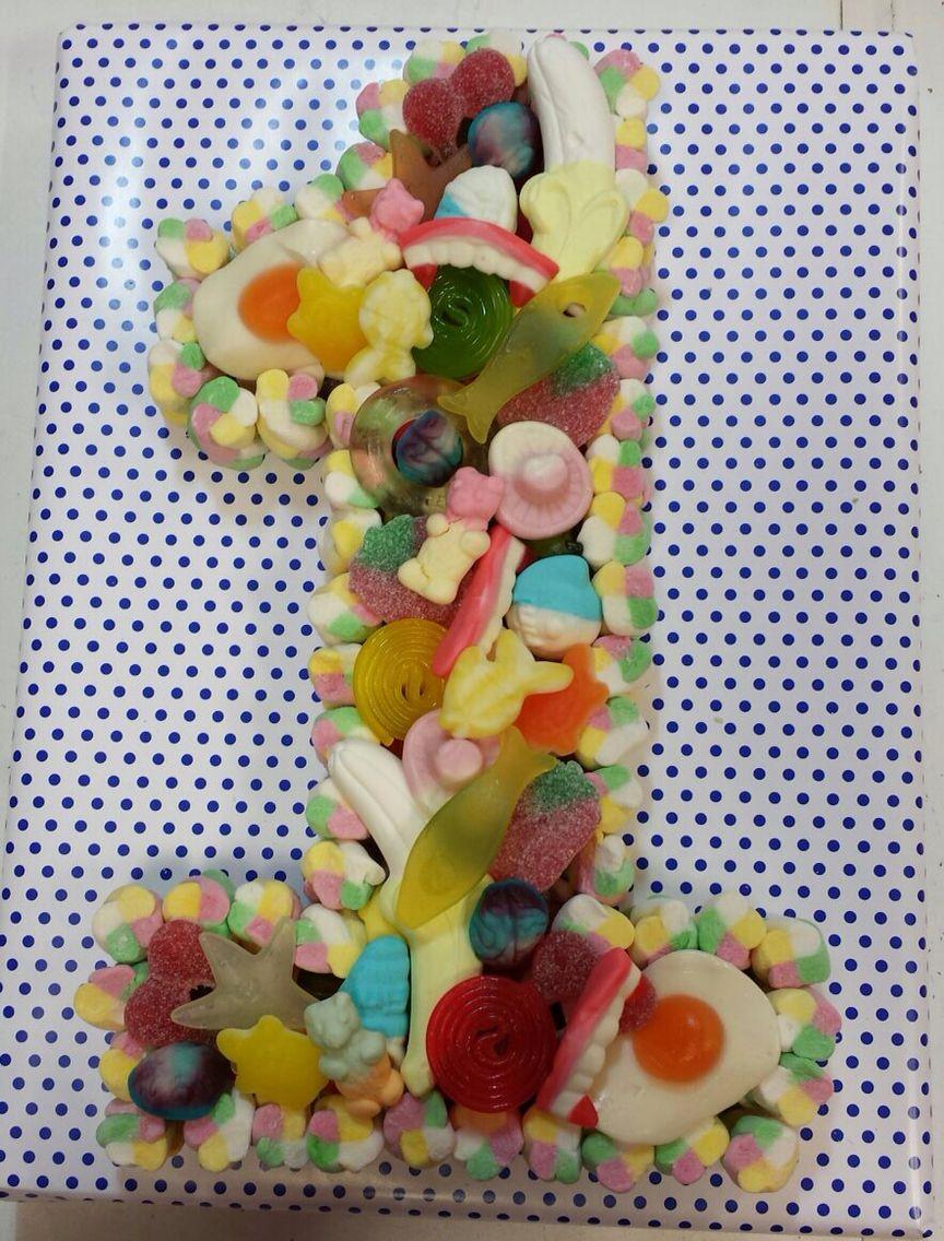 Number 1 sweetie cake £22 | www.thesweetcakefairy.co.uk en ...