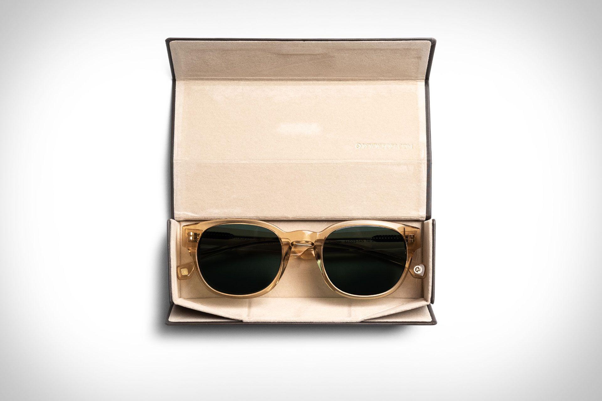 Matt Damon S Ford V Ferrari Sunglasses Matt Damon Damon Sunglasses