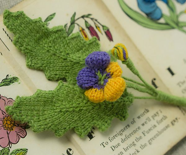 Free knitting pattern for floral Boutonniere