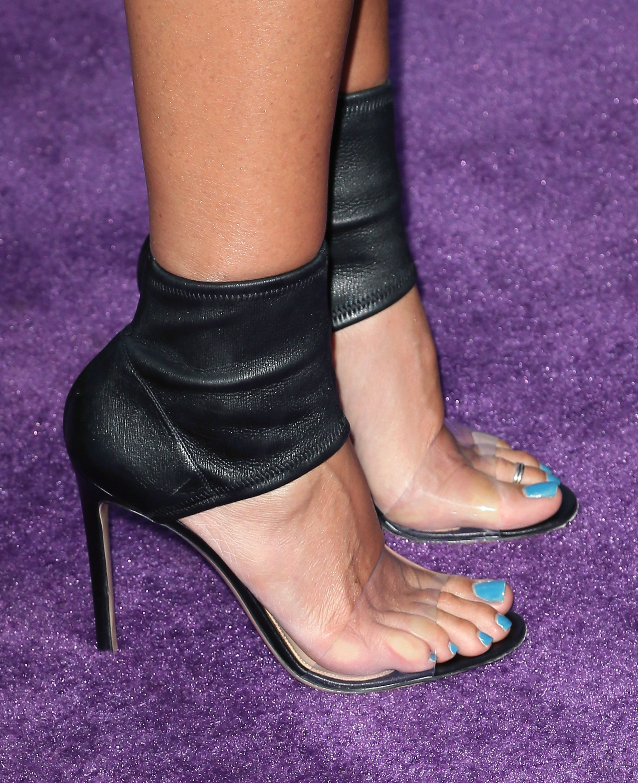 Daisy Fuentes Shoe Size