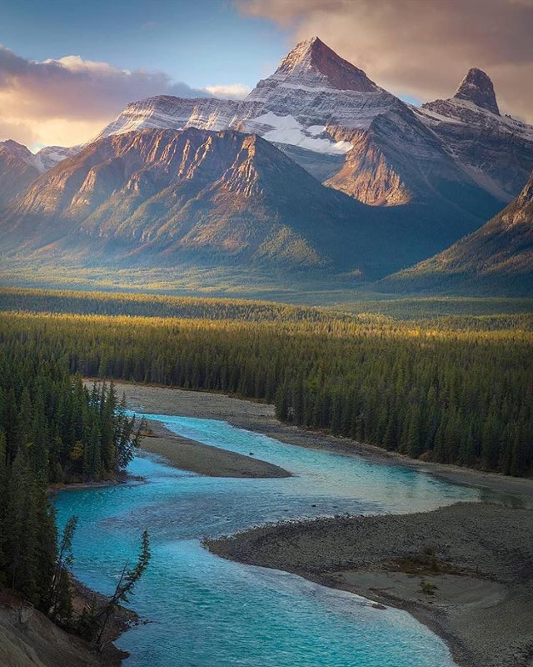 Amazing Scenery: Canadian Rockies At (@wildernessnation) By (@lijahhanley