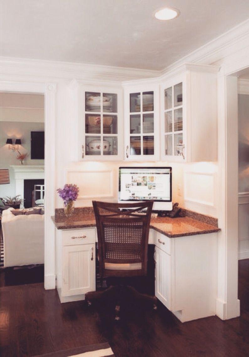 Space Saving Built In Office Furniture In Corners Personalizing Modern  Interioru2026