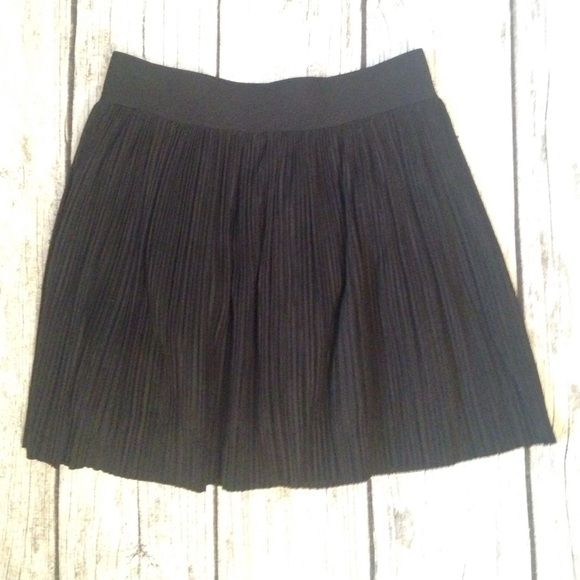 BCBG skirt, black size XS. Super Cute BCBG black skirt, size XS. BCBGMaxAzria Skirts Mini