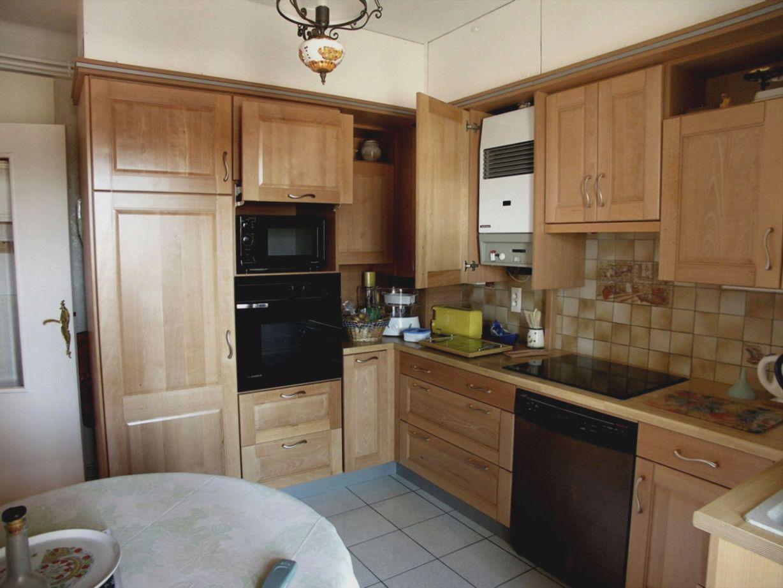 Cuisine Moderne Bois Hetre In 2020 Kitchen Kitchen Cabinets Home Decor